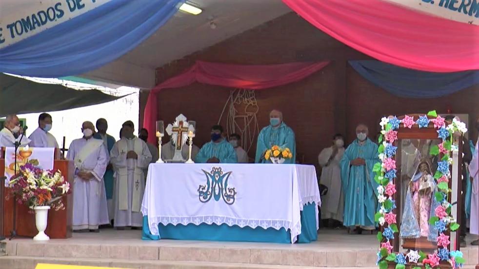 El obispo de Jujuy presidió las fiestas patronales en el marco de un día no laborable en la provincia.