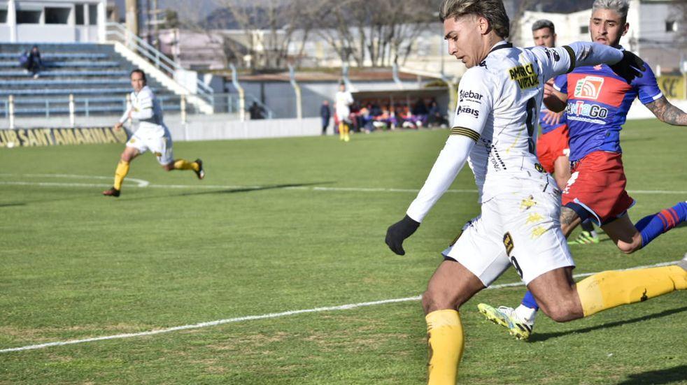 Fútbol en Tandil: Santamarina volvió a perder y se aleja de los puestos de ascenso