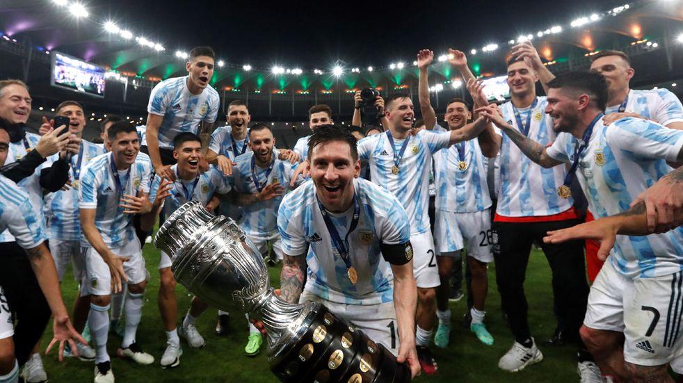 Copa América: las fotos oficiales de Lionel Messi con la medalla de campeón