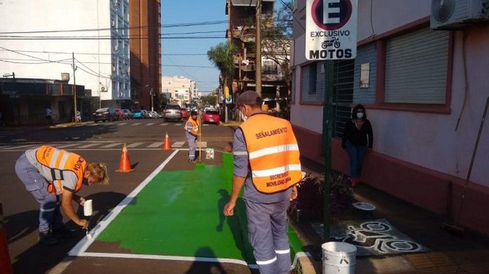 La Municipalidad ejecuta obras de señalética y demarcación de lugares en Posadas.