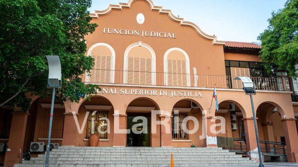 Coordinan preparativos para retomar la actividad judicial en La Rioja