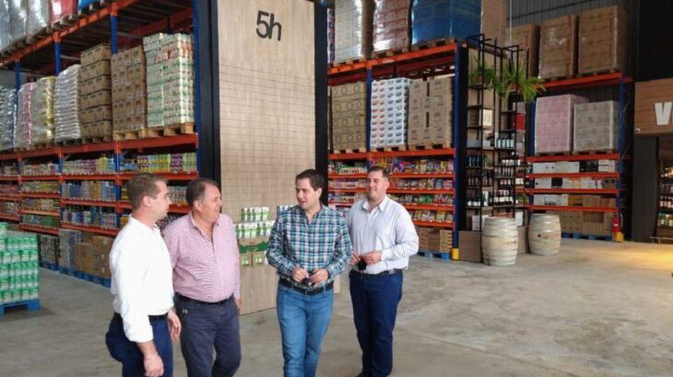 """En esta jornada abrió sus puertas el nuevo supermercado """"5 Hermanos"""" en Puerto Rico.-"""