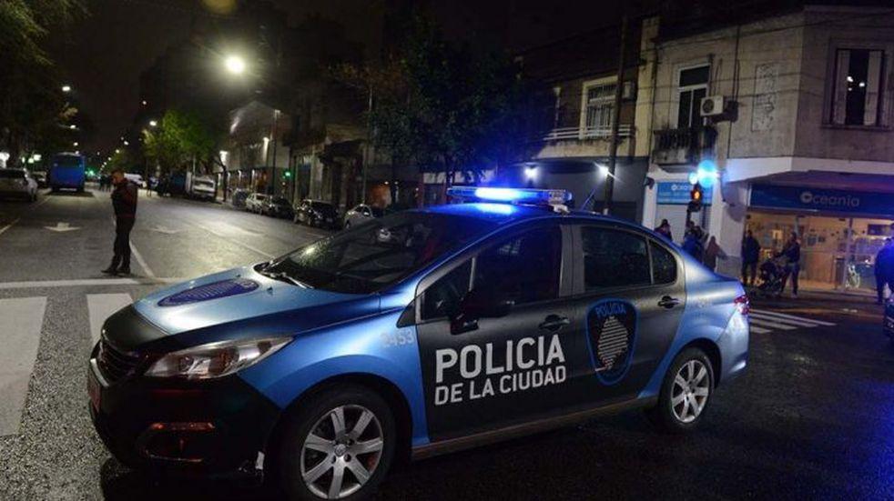 Asesinaron a un jubilado en Palermo y le quemaron el departamento