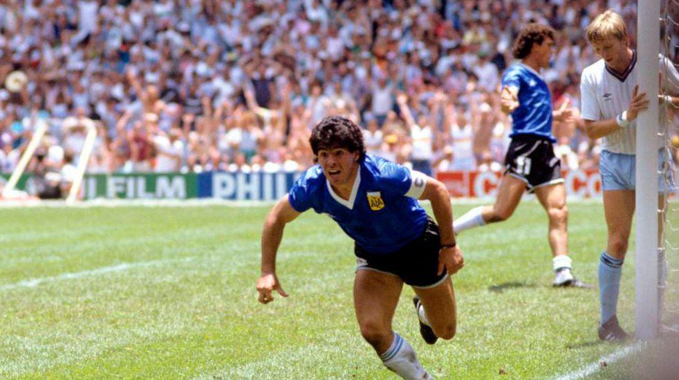 """El homenaje mendocino al """"gol del siglo"""" de Diego Maradona"""