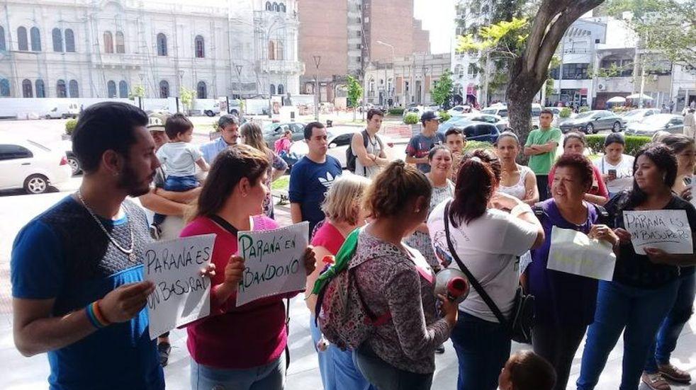 La Asamblea Vecinalista de Paraná pidió que se reactive la recolección de basura