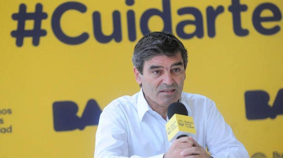 """Fernán Quirós aseguró que la escuela será """"lo primero que se abra"""", pero no confirmó cuándo"""
