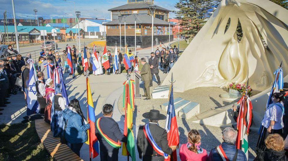 Ushuaia: más de 40 colectividades participaron del acto que realizó la Municipalidad para celebrar el Día del Inmigrante