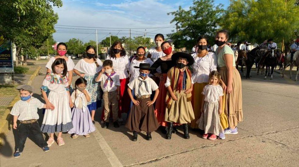 Balnearia festejó el Día de la Tradición en sus calles