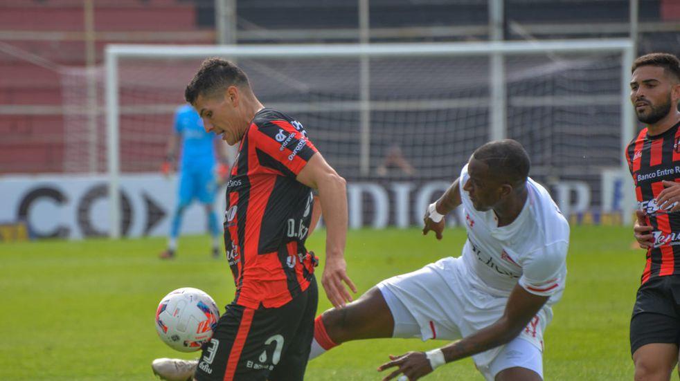 Patronato perdió el invicto de local frente a Estudiantes por la fecha 12.