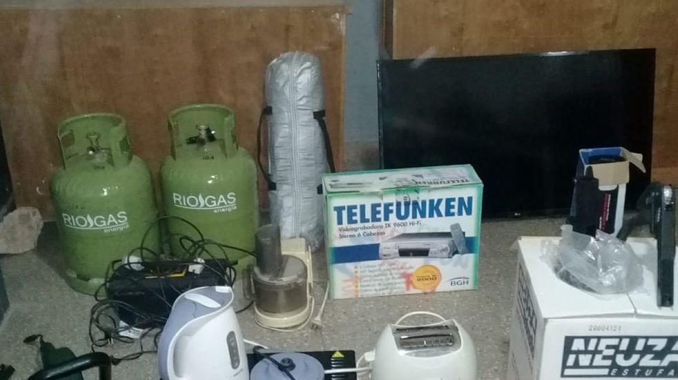 Carlos Paz: la Policía expone objetos recuperados para dar con los damnificados