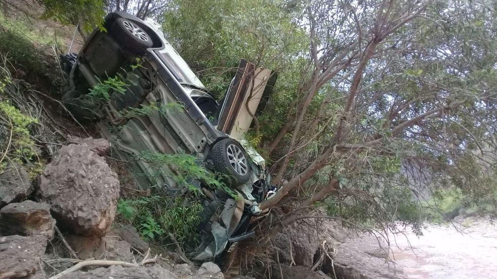 Turistas de Buenos Aires volcaron con su camioneta en el camino a Cafayate