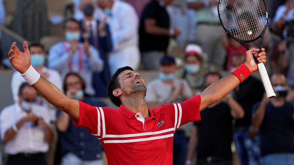 Djokovic lo dio vuelta y se quedó con la final de Roland Garros ante Tsitsipas