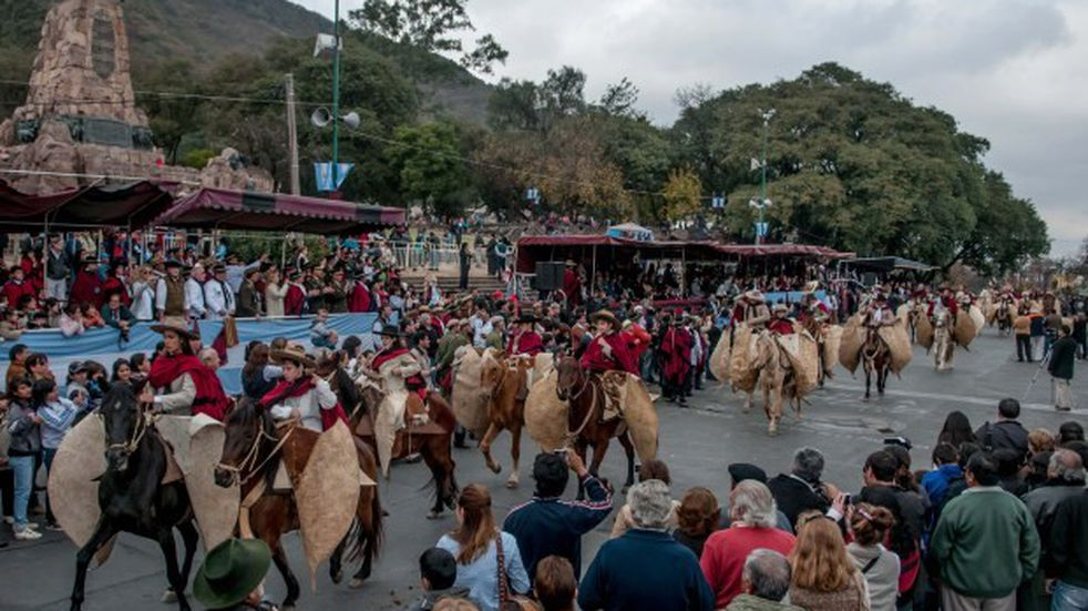 """Gauchos de Güemes a Alberto Fernández: """"Nos robaron el Bicentenario"""""""