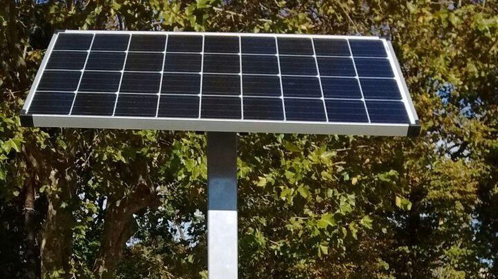Instalaron en Ushuaia el primer panel solar para carga de celulares
