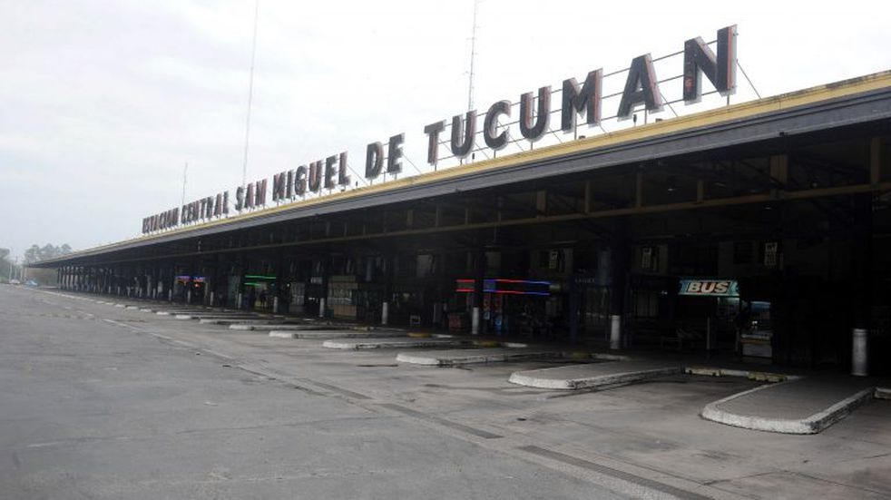 DYN43, SAN MIGUEL TUCUMAN 09/06/15, JORNADA DE PARO NACIONAL EN LA PROVINCIA DE TUCUMAN.FOTO.DYN/LA GACETA/ANTONIO FERRONI. san miguel de tucuman  paro nacional de transporte medida de fuerza repercusion alcance paro vista estacion constitucion terminal de omnibus micros