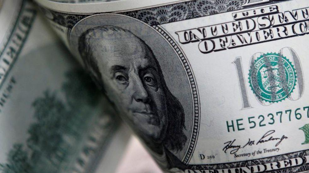Se dispara el precio del dólar en la Bolsa y roza los 75 pesos