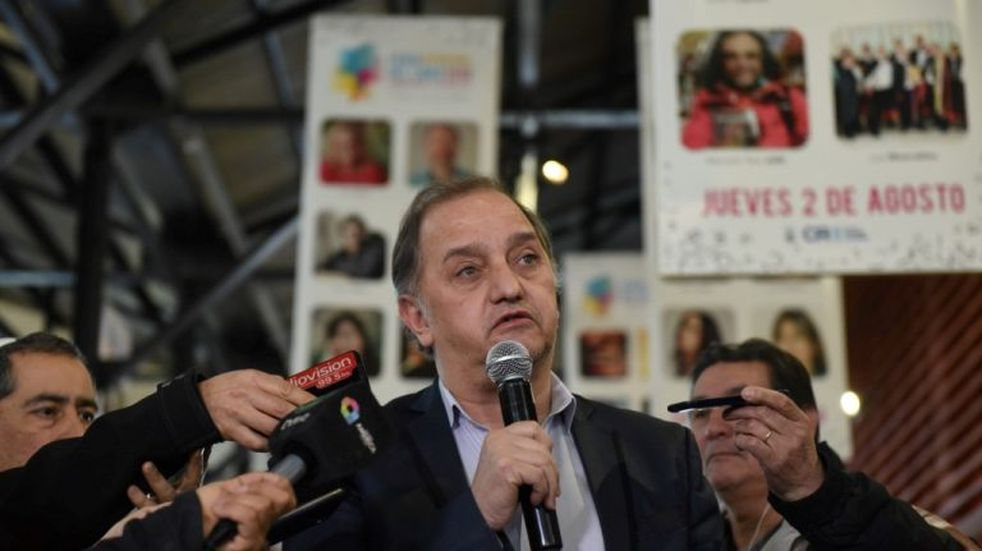 Moyano se reunió con Linares y el comodorense sería el candidato del PJ a la gobernación