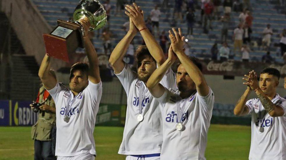 Uruguay: la Copa se cayó al foso en la final entre Nacional y Peñarol