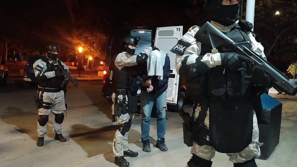 Siete allanamientos y seis detenidos por venta de drogas en Capilla del Monte