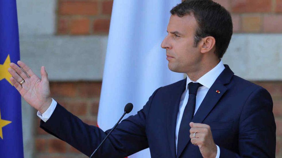 El presidente Emmanuel Macron fue agredido durante un acto público en Francia