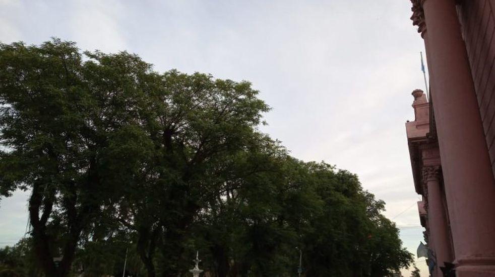 Martes nublado en Corrientes