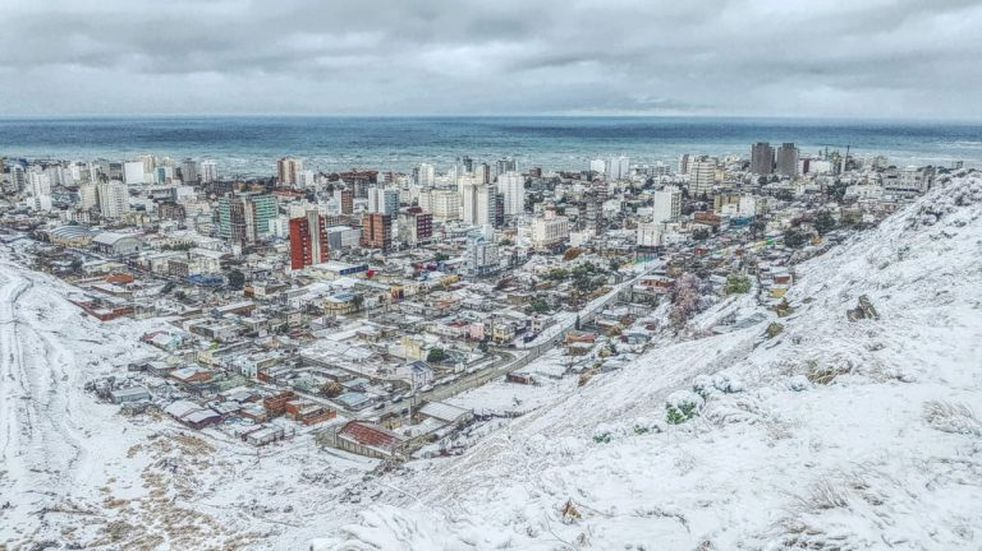 Nieva en Comodoro y zonas aledañas