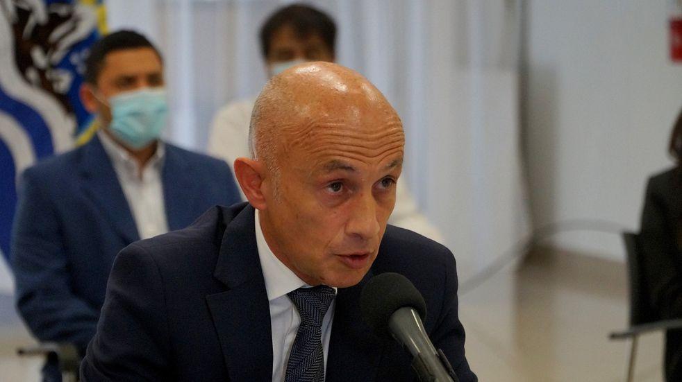El intendente de Caleta Olivia, Fernando Cotillo, dio positivo a Covid-19