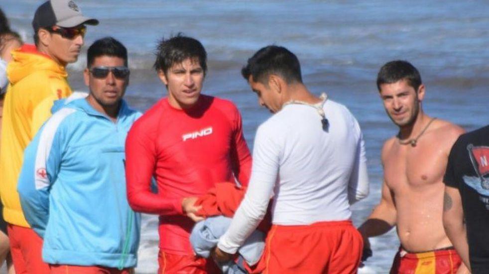 Guardavidas salvaron a un niño de 13 años en Las Grutas