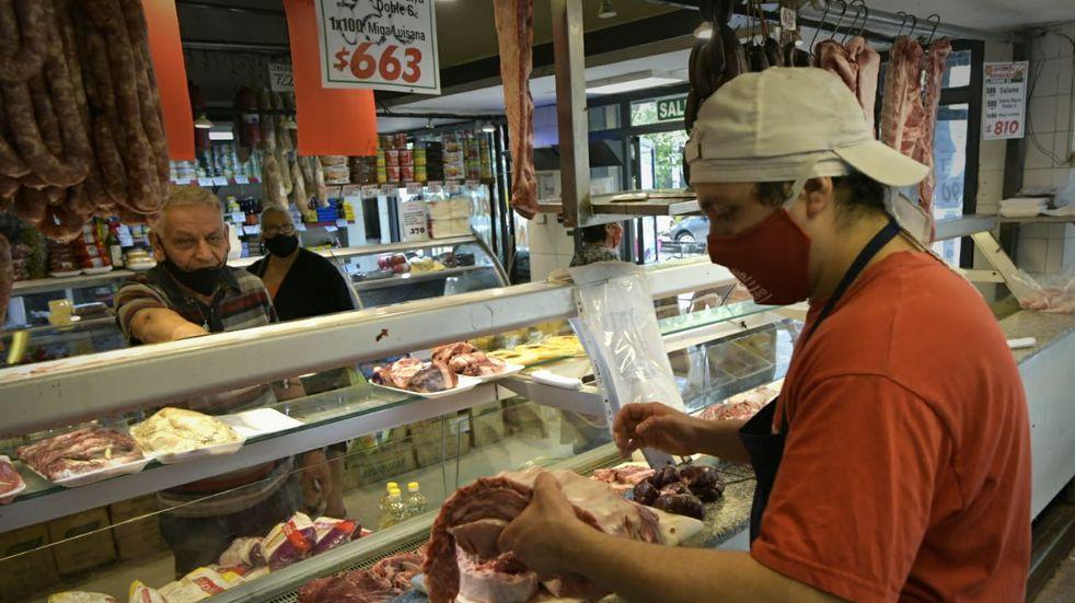 El Mercado Central comienza este viernes a vender los cortes de carne con rebajas de hasta 30%