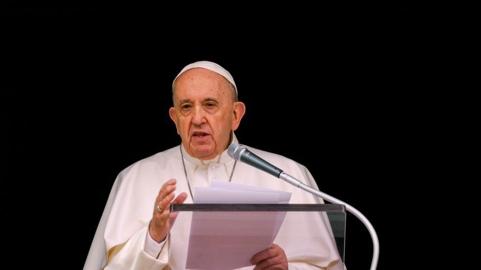 """El papa Francisco está """"en buenas condiciones"""" tras la operación de colon"""