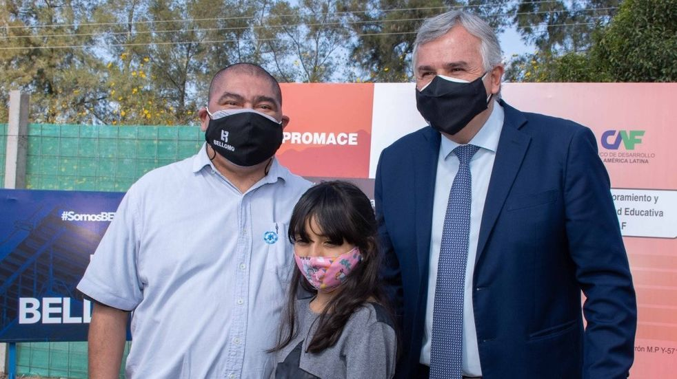 Coronavirus en Jujuy: Morales hizo fila, esperó y se vacunó