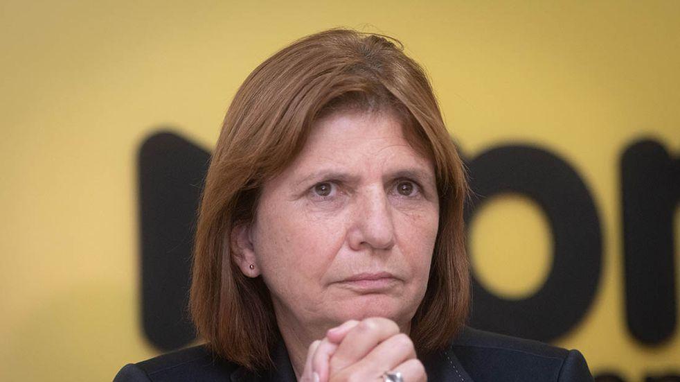 Patricia Bullrich relacionó la salida de Agustín Rossi con las visitas nocturnas a Olivos