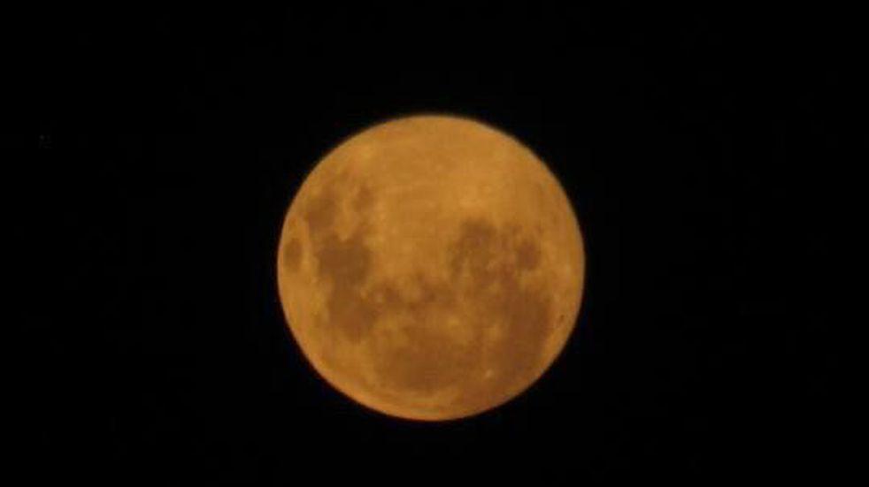 Impresionante: así se vio la Superluna de Nieve en Azul