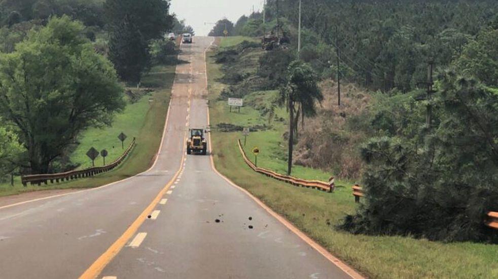 La Ruta Nacional N°12 se halla en despeje de banquinas
