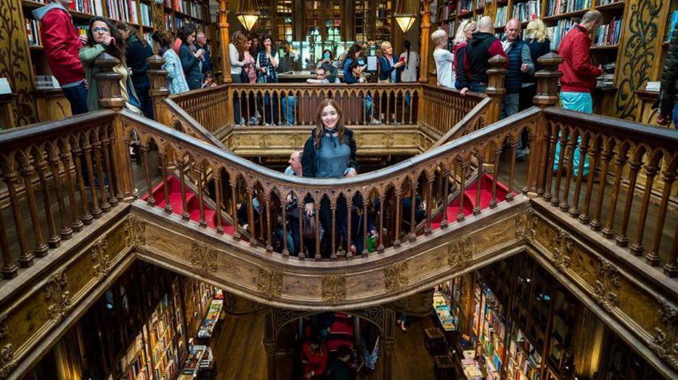 """La librería que inspiró a J. K. Rowling para escribir """"Harry Potter"""", un paseo obligado en Porto"""