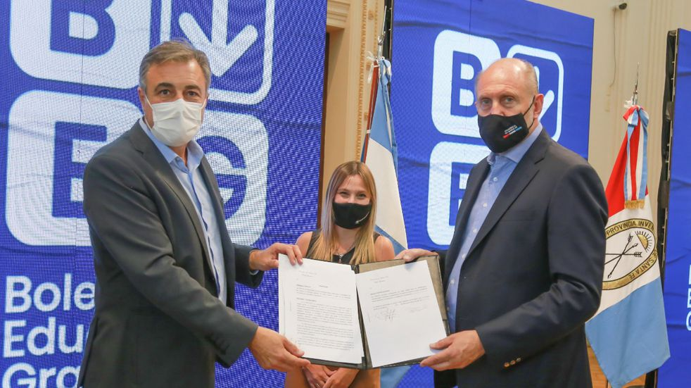 Sin Perotti y con Cantero, firman convenios por el Boleto Educativo Rural
