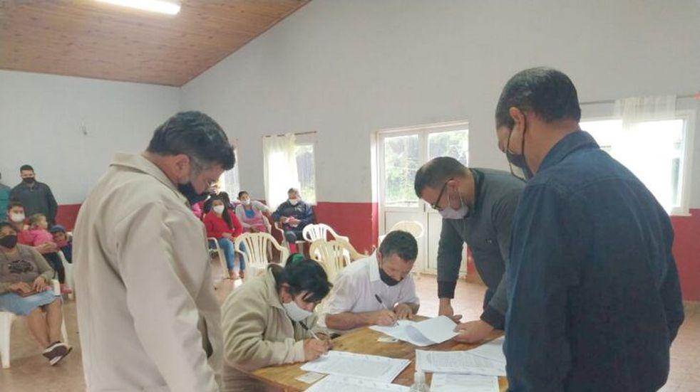 Los municipios de Colonia Victoria y Puerto Rico avanzan en la Regularización Dominial.