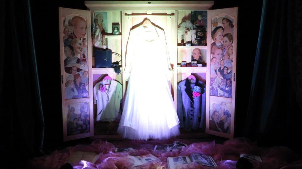 Fue inaugurada una muestra artística en homenaje a la mujer