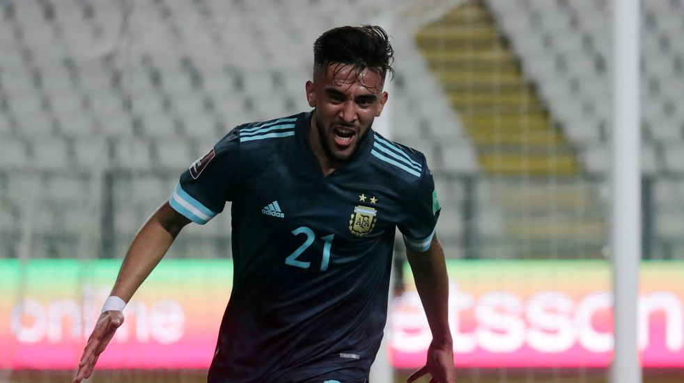 Nicolás González celebra su gol ante Perú.