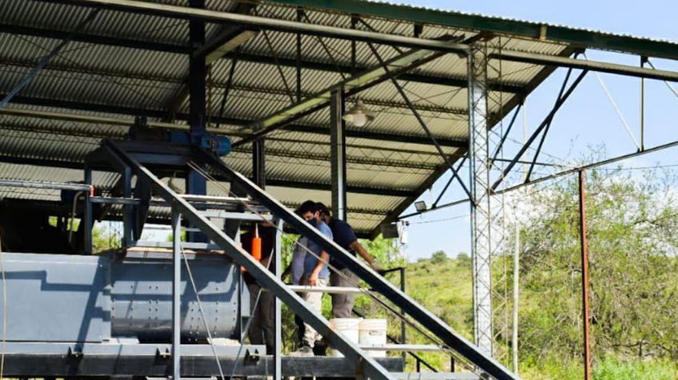 La Falda cuenta con su propia fábrica de adoquines y podrá vender su excedente de producción