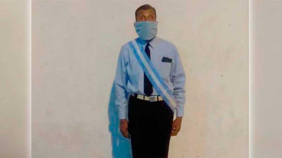 Un hombre de 70 años de Jujuy terminó el secundario como abanderado