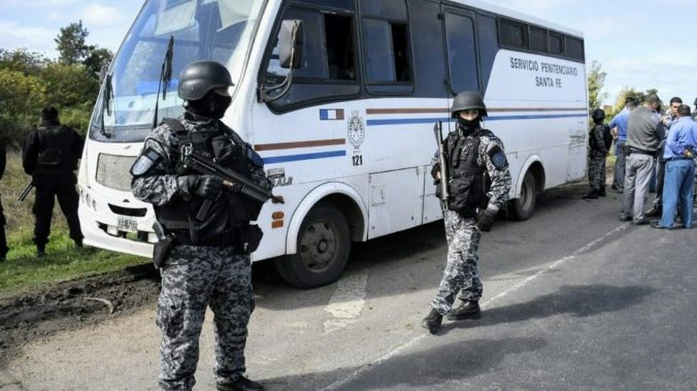 Atraparon a dos de los presos que huyeron en la autopista Rosario-Santa Fe
