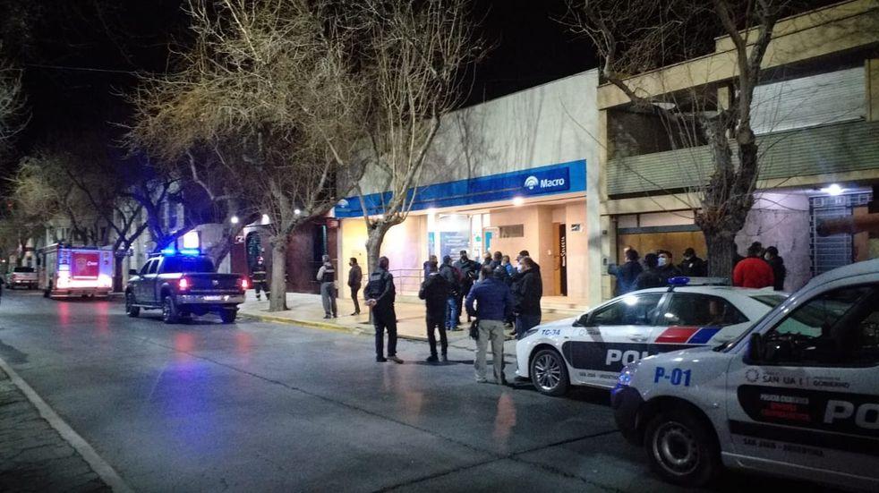 El robo al banco que no fue: horas de tensión por un adolescente de 16 años