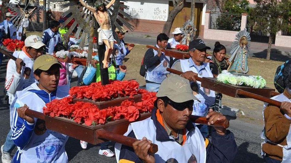Peregrinos celebran el Milagro recolectando donaciones para los más necesitados