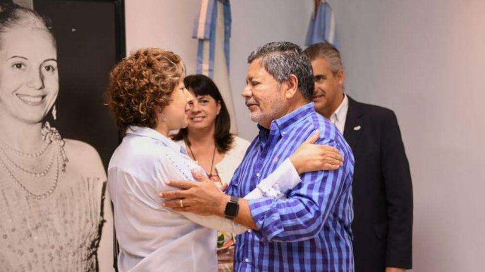 Arabela Carreras se reunión con el secretario general de UOCRA Nacional