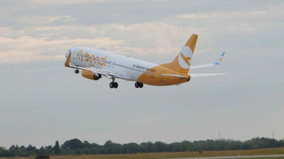 Flybondi suma aviones y frecuencias entre Córdoba y Buenos Aires