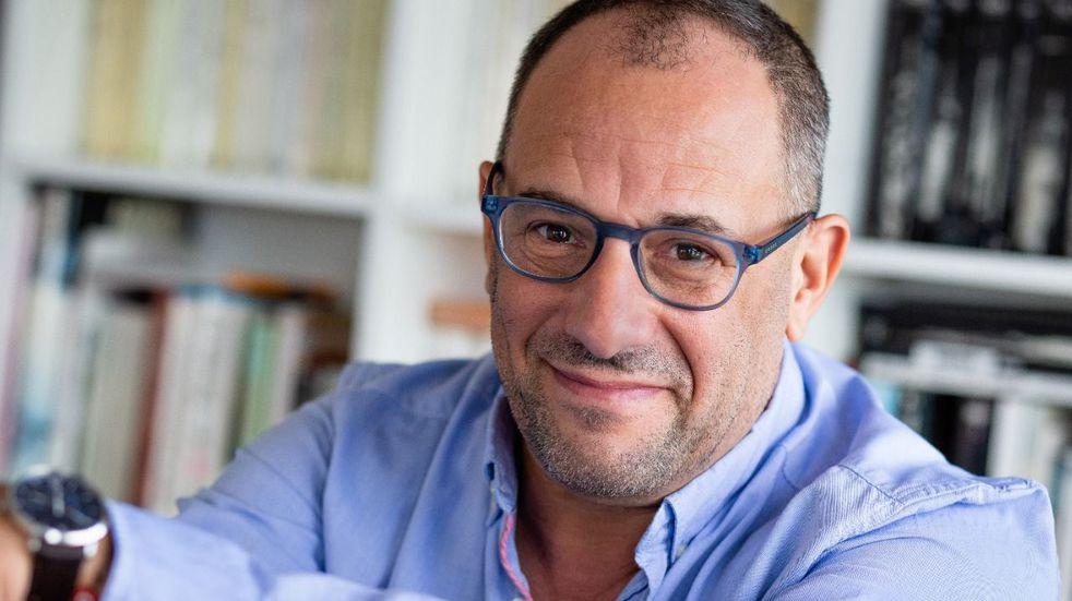 El psicólogo estará en Mendoza para continuar su trabajo virtual de manera presencial en dos charlas.