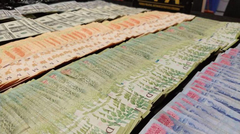 Secuestraron cocaína, diez mil dólares y más de 200 mil pesos en una vivienda  de Carlos Paz