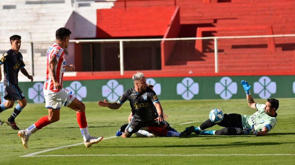 Unión cayó goleado ante Atlético Tucumán