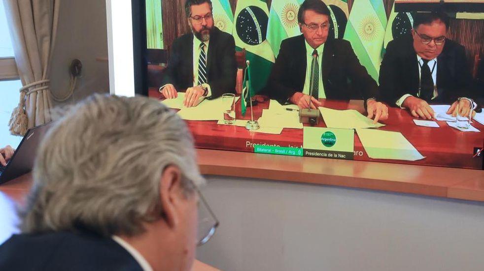 """Alberto Fernández mantuvo una videoconferencia con Bolsonaro y pidió dejar """"las diferencias del pasado"""""""